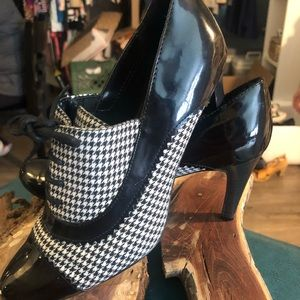 Houndstooth dress shoes
